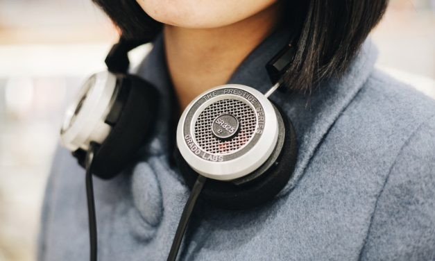 21 of the Best Leadership Podcasts You'll Want to Listen To Now